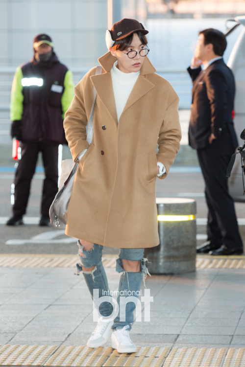 Picture Media Bts At Incheon Airport Go To Taiwan 160109